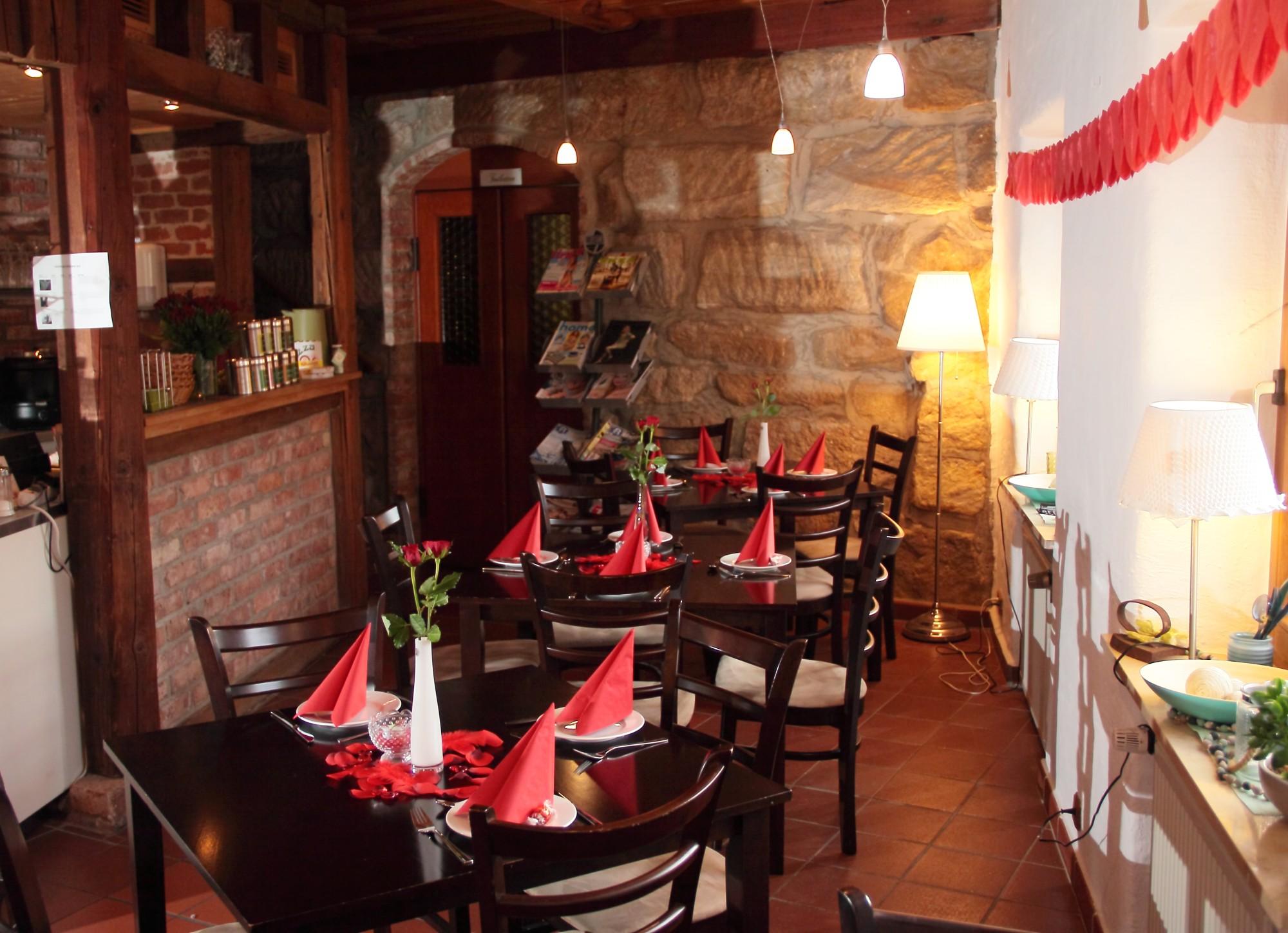 restaurant bistro klein & fein in neunkirchen am brand - deutsch